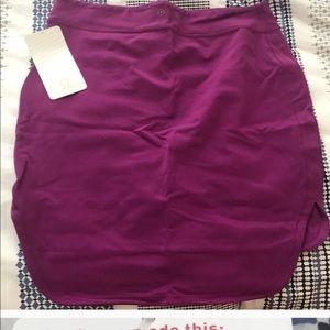 lululemon athletica Skirts - Lululemon EUC city skirt size 10